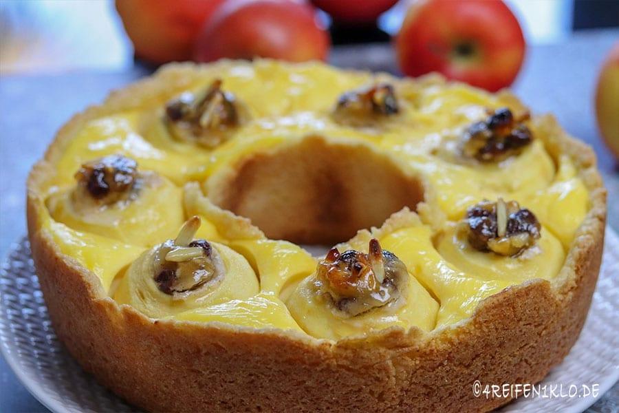 Bratapfelkuchen mit Vanillepudding