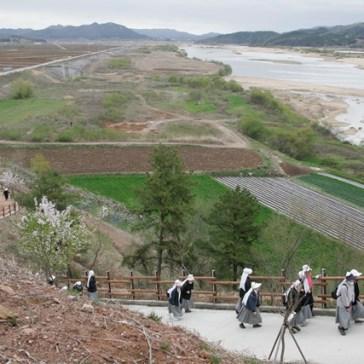 강은 흘러야 한다.  2010.04
