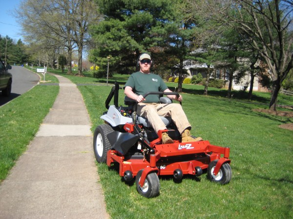 lawn mowing service 4 seasons