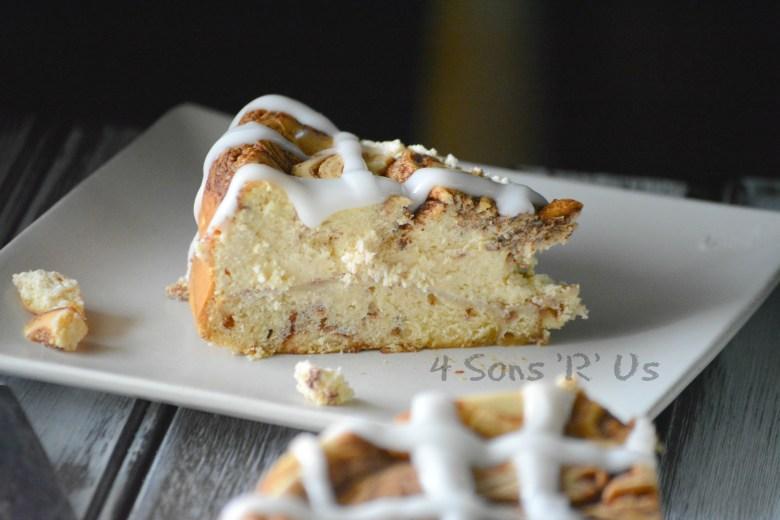 Cinnamon Roll Cheesecake 3