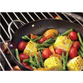 Mini grill wok in use