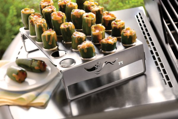Jalapeño popper grill rack in use