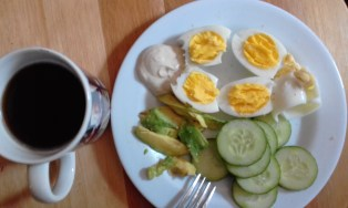 Boiled eggs with avo, cucumber and home made mayo