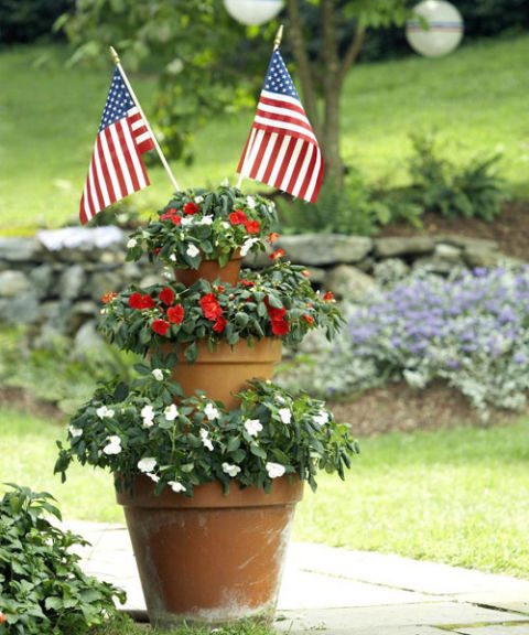 Happy July 4th 2019 – Victory Garden Decorations