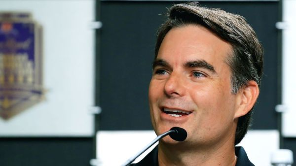 Jeff Gordon to serve as second-highest official at Hendrick Motorsports, will leave broadcast booth