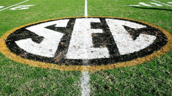 Source -- Oklahoma Sooners, Texas Longhorns on the verge of making SEC move