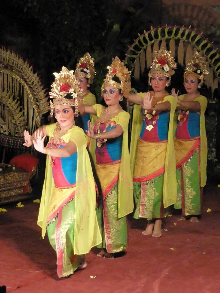 Ubud Bali dancers