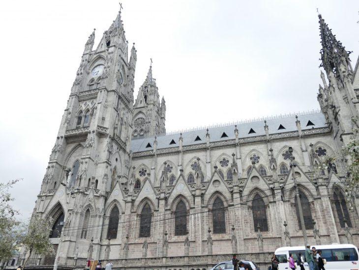 Basilica del Vote Nacional, Quito