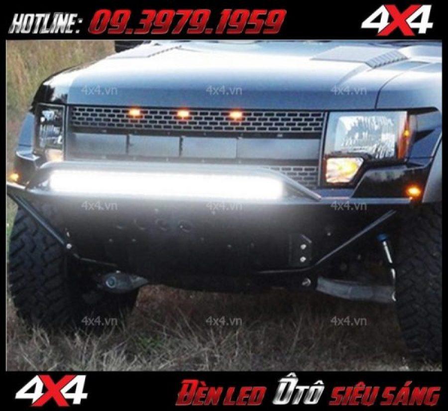 Hình ảnh xe bán tải độ đèn led bar 12D siêu sáng vào ban ngày