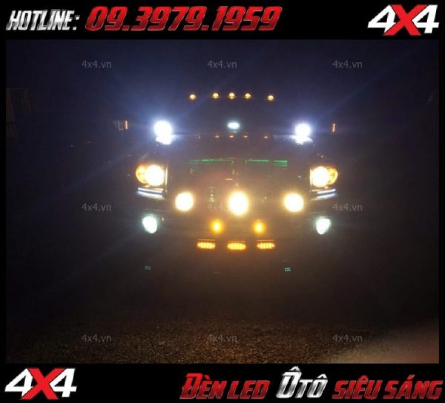Xe bá tải Ford Ranger trang trí đèn led bar và đèn phá sương cực khủng và bắt mắt