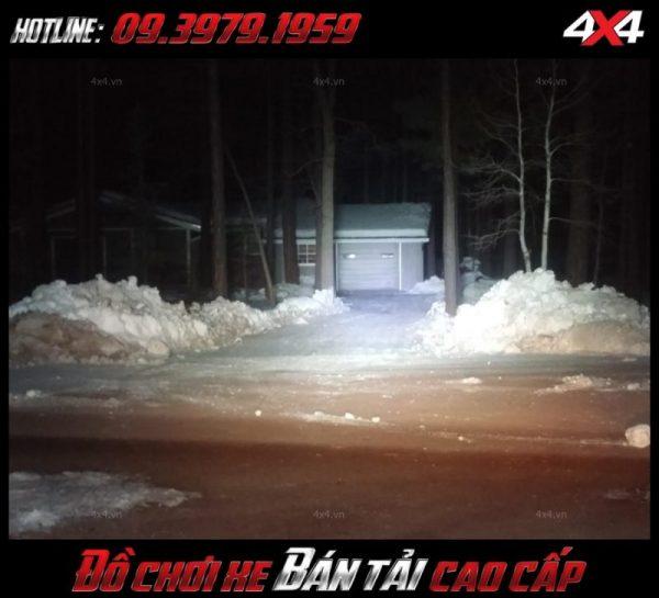 Tấm ảnh led bar <strong>độ đèn Ford Ranger</strong>: Đèn led ligh bar Không những chiếu sáng mà còn trang trí cho xe Ford Ranger đẹp mắt và ngầu hơn