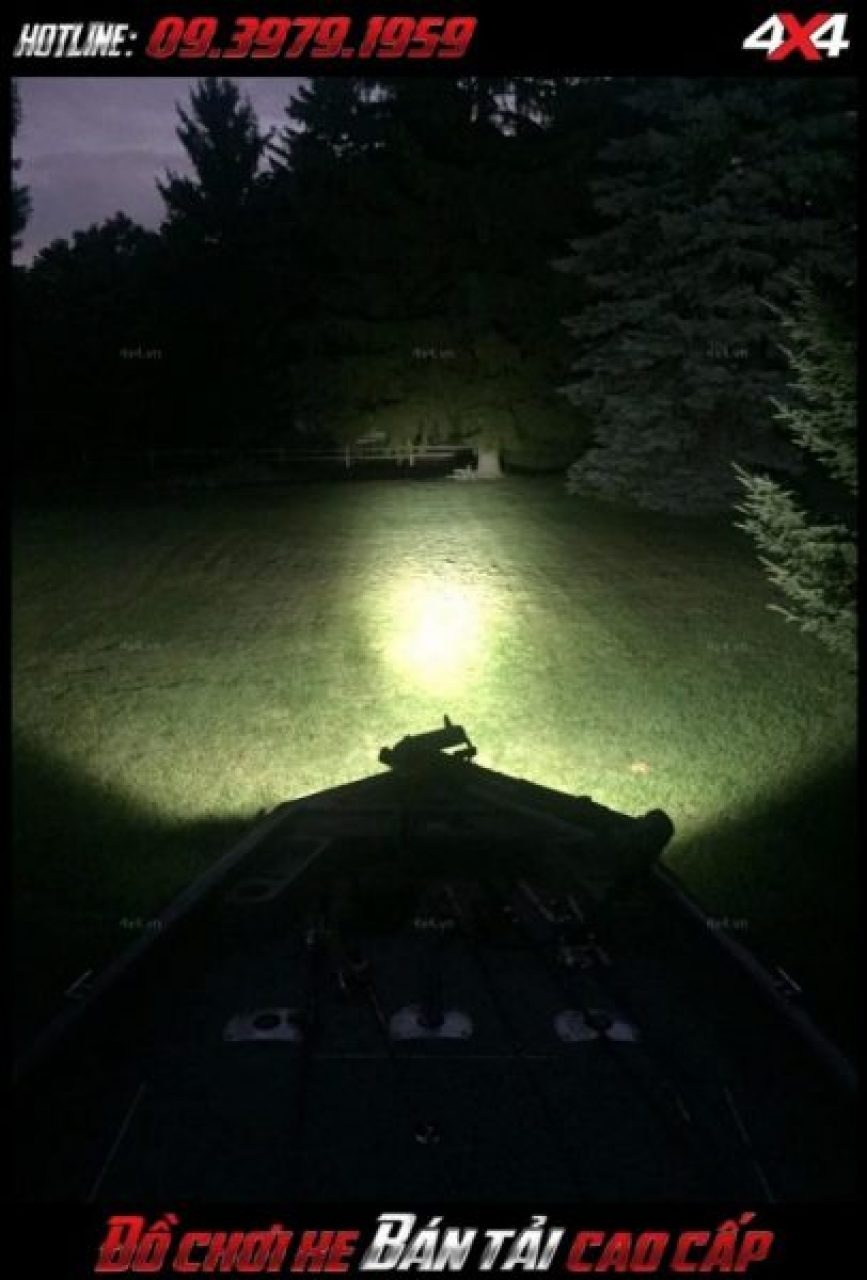 Tấm ảnh led bar <strong>độ đèn Ford Ranger</strong>: kiểu đèn led gắn đẹp, hài hòa và đẹp mắt cho bán tải