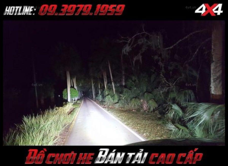 Tấm ảnh <strong>đèn nóc xe bán tải</strong>: Đèn led bar vô vùng sáng giúp trợ sáng cho xe ô tô, xe bán tải vào ban đêm