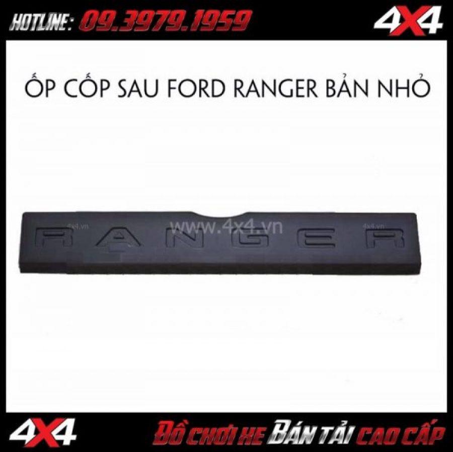 Hình ảnh: Ốp cốp sau Ford Ranger bản nhỏ lắp đẹp giá rẻ cho xe bán tải tại HCM