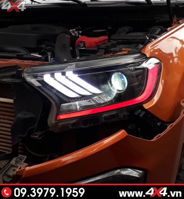 Đồ chơi xe Ford Ranger: Đèn trước độ kiểu Ford Mustang đang được lắp tại 4x4