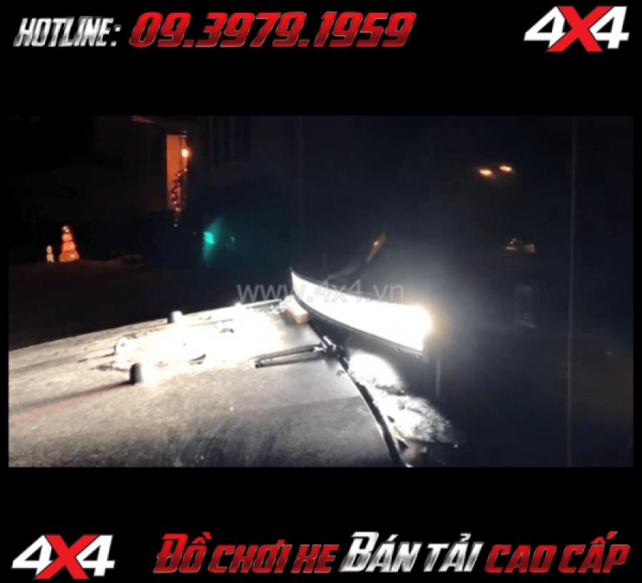 Photo tăng sáng cho Ford Ranger 2018 Led bar 8D thay đẹp và tăng sáng tốt cho xe Ford Ranger 2018