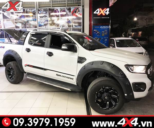 Đồ chơi xe Ford Ranger: Xe bán tải Ford Ranger độ mâm Fuel Razor đẹp và cứng cáp