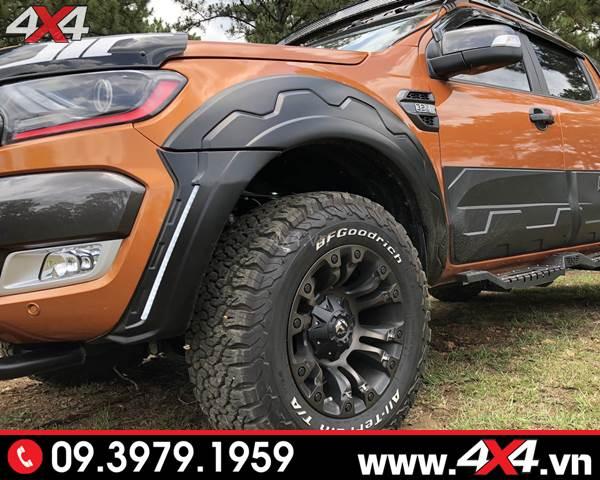 Đồ chơi xe Ford Ranger: Xe bán tải Ford Ranger gắn ốp cua lốp răng cưa FITT Thái Lan đẹp và ngầu