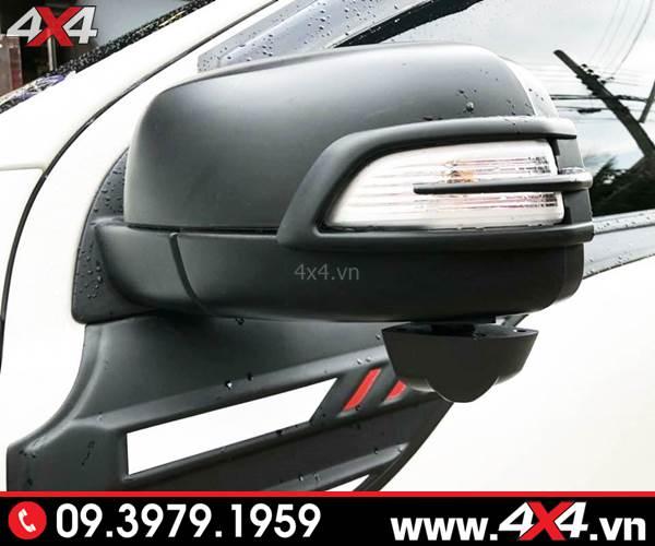 Đồ chơi Ford Ranger: Ốp gương màu đen độ ngầu và cứng cáp cho xe bán tải Ford Ranger