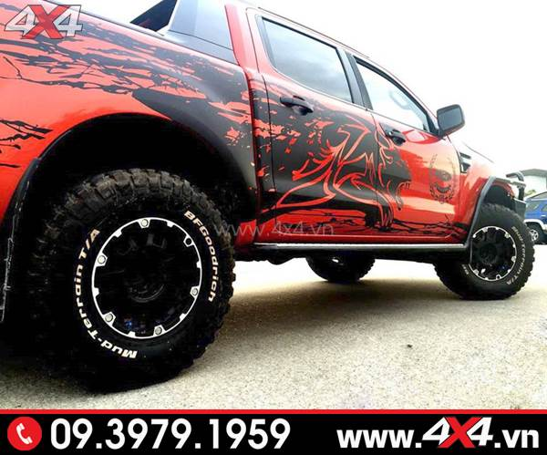 Tem dán xe Ranger: Chiếc bán tải đỏ lên tem đen cực ngầu và độc