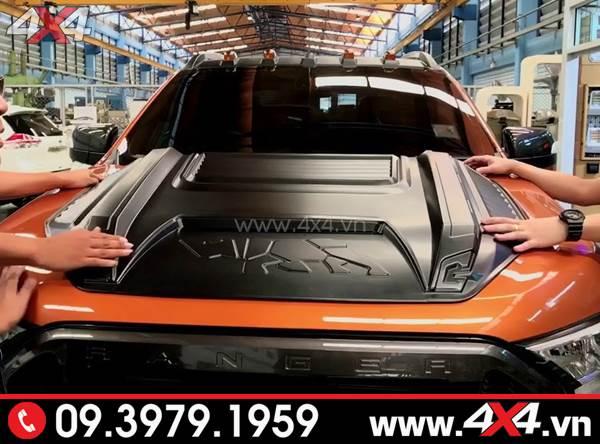 Ốp nắp capo màu đen cực chất và ngầu độ cho xe Ford Ranger