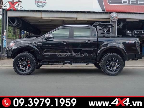 Ốp sườn màu đen độ ngầu và cứng cáp cho xe Ford Ranger
