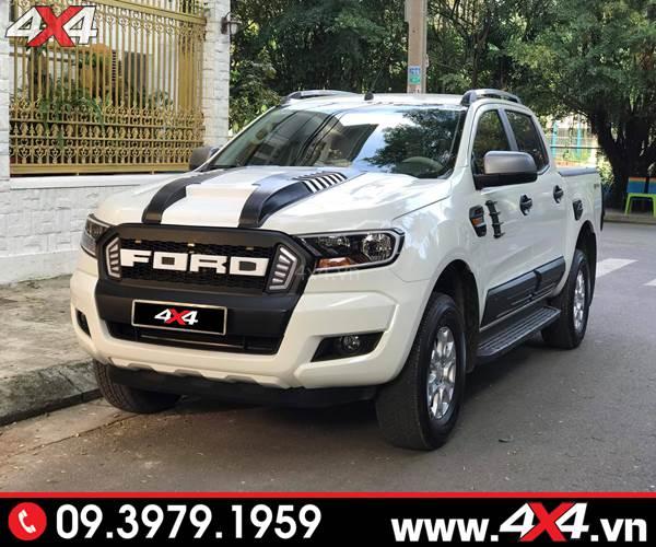 Mẫu ốp nắp capo Ford Ranger Thái Lan độ đẹp cho xe bán tải Ford Ranger màu trắng