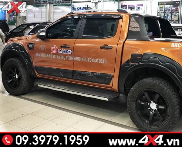 Ốp cánh cửa Ford Ranger màu đen độ đẹp và cứng cáp cho xe bán tải Ford Ranger