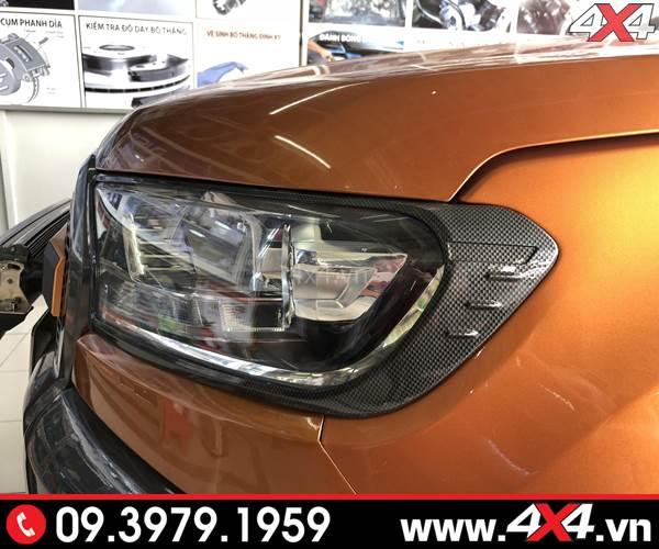 Ốp viền đèn carbon độ đẹp và sang dành cho xe bán tải Ford Ranger