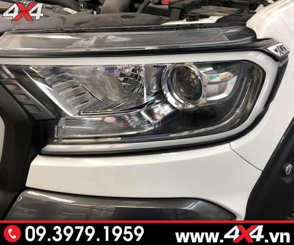 Ốp viền đèn trước có đèn led độ đẹp và nổi bật cho xe Ford Ranger