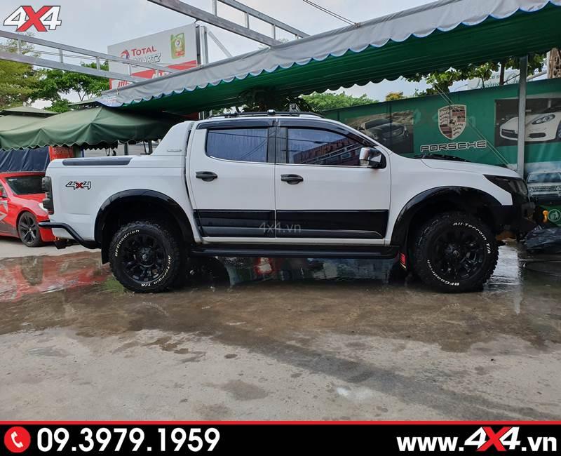 Chevrolet Colorado độ: Ốp hông cửa màu đen độ tăng vẻ cứng cáp và hầm hố cho xe bán tải Colorado