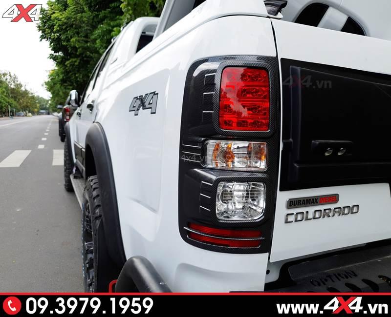 Ốp viền đèn hậu Carbon độ cho xe bán tải Chevrolet Colorado