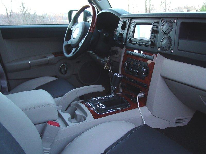 2007 Jeep Commander Interior