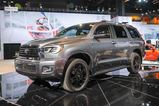 2018-Toyota-Sequoia-TRD-Sport-front-three-quarter-1