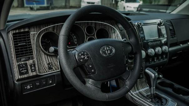 Toyota-Tundra-Interior-1