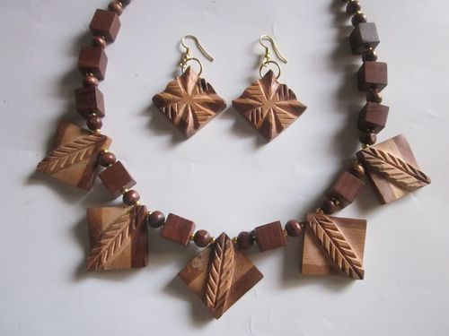 Decor N Utility Crafts Wooden Jewellery Rs 50 Piece Decor N Utility Craft Id 18403135662