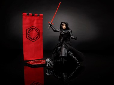 STAR-WARS-THE-BLACK-SERIES-6-Inch-Kylo-Ren-Pack-oop1