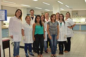 Equipe do Laboratório do Departamento de Mudas e Sementes