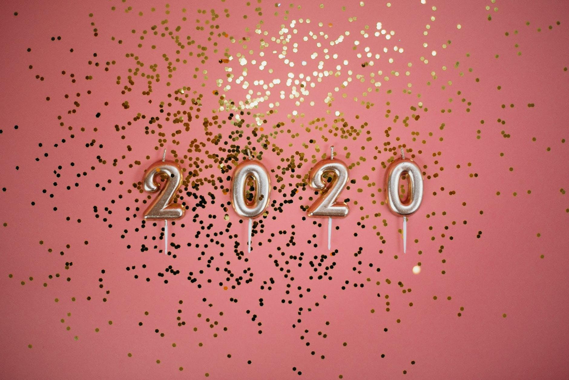 pexels-photo-3401900.jpeg tag fin d'année 2020
