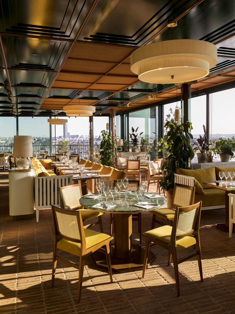 Perruche terrasse dernier étage du Printemps Haussmann Paris