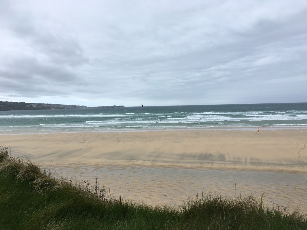 Kite surfers at Hayle Towans (LEJoG Day 3)