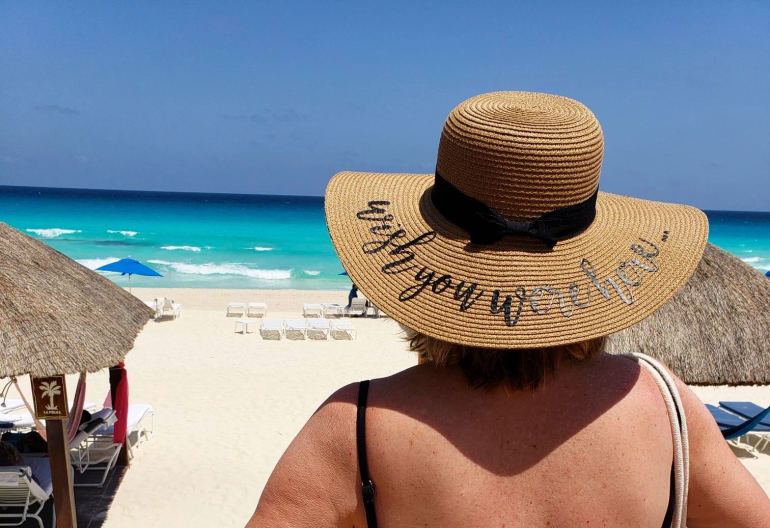 50 IS NOT OLD | HOLA FROM CANCUN | FASHION OVER 40