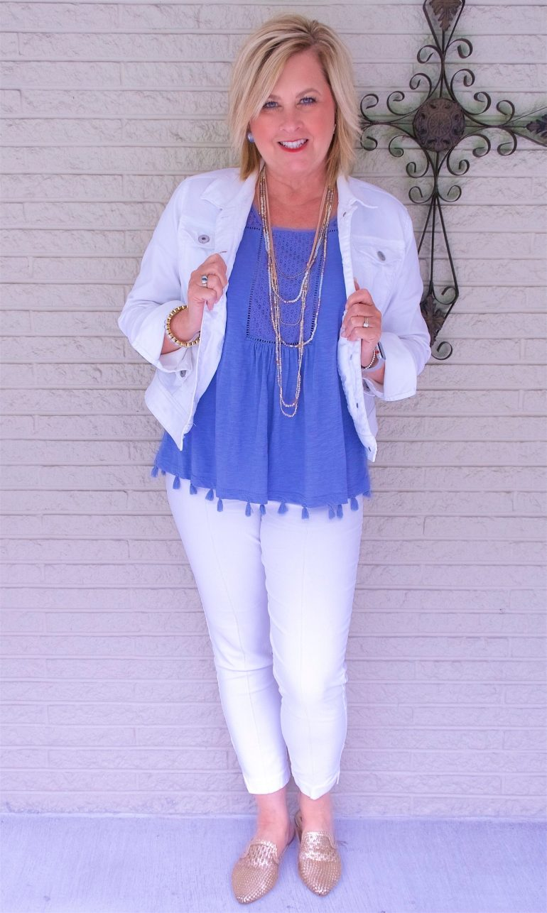 50 IS NOT OLD | WHITE ON WHITE FOR A CLASSIC SUMMER LOOK | FASHION OVER 40