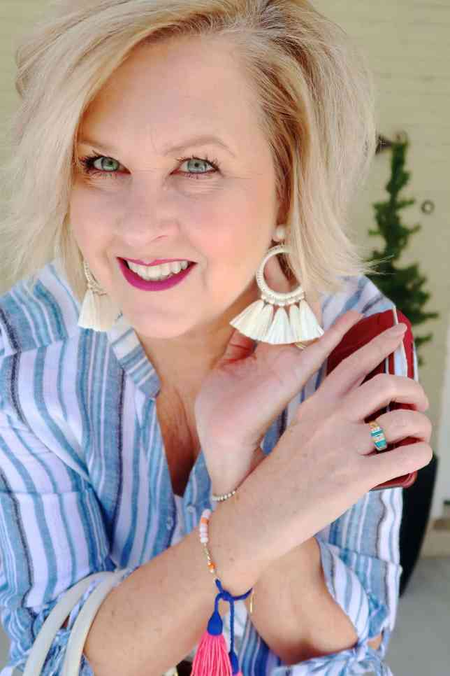 50 IS NOT OLD | HOW TO WEAR YOUR SHIRT UNBUTTONED | FASHION OVER 40