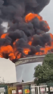 OVH Oando terminal In Apapa on Fire Residents panic: Breaking ovh oando - vlcsnap 2020 11 05 15h09m52s024 170x300 - OVH Oando terminal In Apapa on Fire Residents panic: Video
