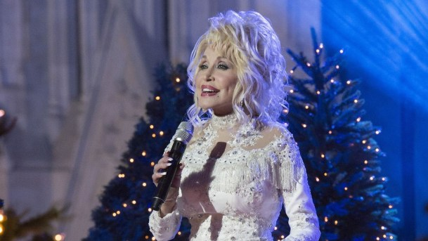 Dolly Parton Recalls the Year She Got a Baby Brother for Christmas dolly parton - 78 300x169 - Dolly Parton Recalls the Year She Got a Baby Brother for Christmas dolly parton - 78 - Dolly Parton Recalls the Year She Got a Baby Brother for Christmas