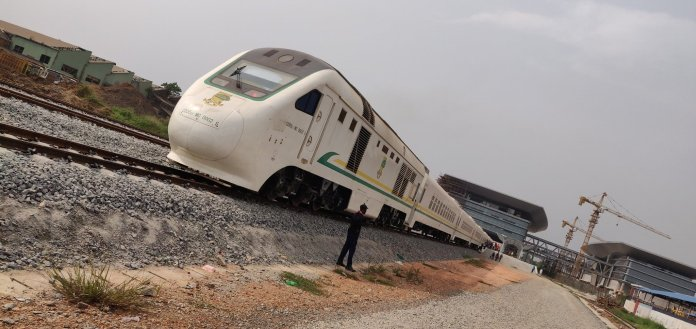 Why You Should Travel On The Lagos To Ibadan Railway – Man Share Experience lagos to ibadan railway - Epx4eGgXUAAWwMH - Why You Should Travel On The Lagos To Ibadan Railway – Man Share Experience