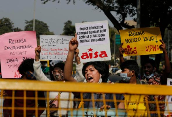 scores protest in india against arrest of climate activist - 602a7b9686dd6 - Scores protest in India against arrest of climate activist scores protest in india against arrest of climate activist - 602a7b9686dd6 - Scores protest in India against arrest of climate activist