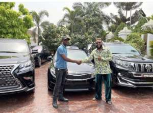 E-money e-money - E money 2 300x222 - E-Money Dashes Out luxurious Cars to Celebrate his 40th Birthday e-money - E money 2 - E-Money Dashes Out luxurious Cars to Celebrate his 40th Birthday