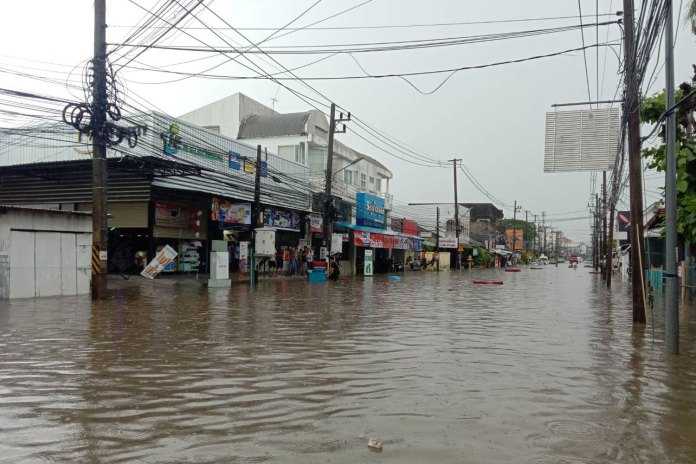 rainstorms cause floods in eastern thailand - c1 1926788 - Rainstorms cause floods in eastern Thailand